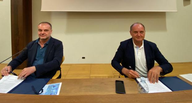 Firma accordo Unito Polito su tema idrogeno - da sx S. Geuna G. Saracco