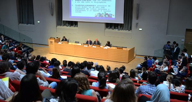 Il Viceministro Giro agli studenti di Torino - si può partire senza andarsene