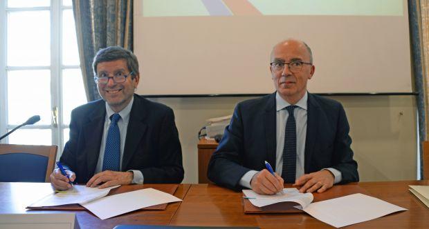 Accordo ENEA-UNITO firma della Convenzione da sx FEDERICO TESTA e GIANMARIA AJANI - Sala Lauree Lingue Palazzo Badini Confalonieri