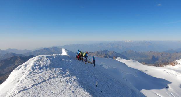 Foto Monte Rosa - Misurazioni georadar Punta Gnifetti.jpg